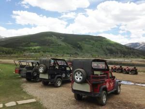 Colorado-Camp-Hale-Nova-Guides-Mobloggy-Scenary-Jeep
